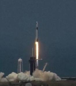 民間有人宇宙船打上げ成功